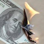Effondrement du dollar: Un problème de dette ne peut jamais être résolu avec davantage de dettes. Et une monnaie mourante ne peut pas être ressuscitée !