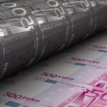 Planche à billets: C'est Historique, le bilan de la BCE vient de franchir à la hausse la barre symbolique des 5000 milliards € !