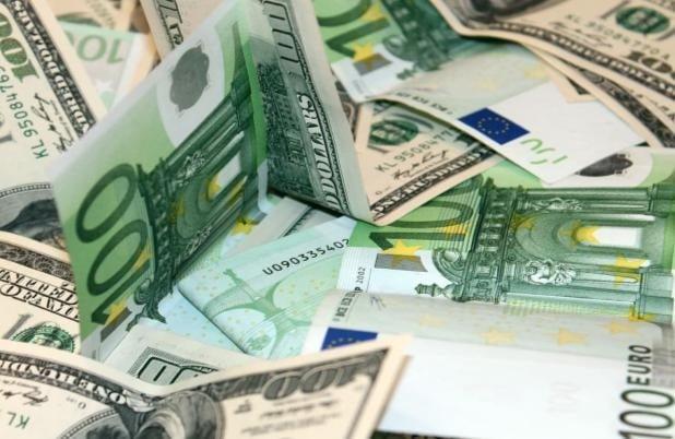 L'euro en mauvaise posture face au dollar ?