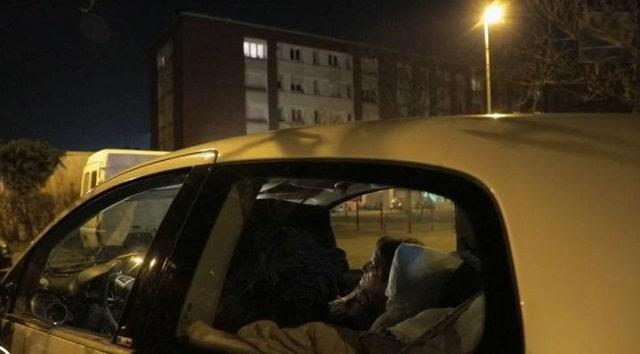 France: Mal-logement: retraitée, elle dort dans sa voiture !