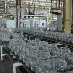 Les entreprises françaises n'ont pas attendu le confinement généralisé pour arrêter leurs chaînes de production.