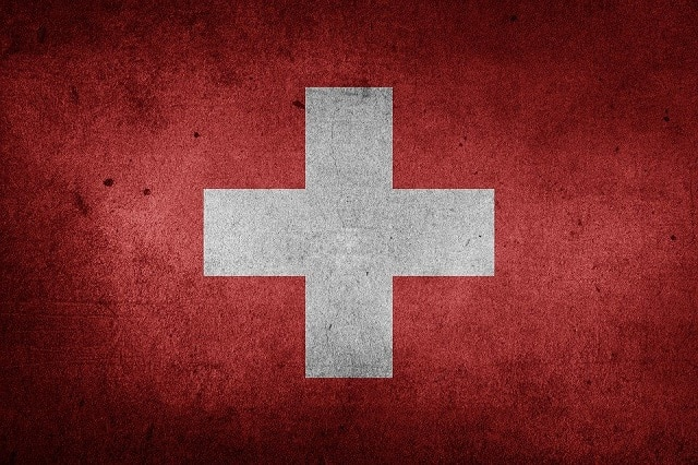 """Heinz Karrer: """"La Suisse sera confrontée à une énorme vague de faillites et de chômage comme nous n'en avons plus vu depuis la Seconde Guerre mondiale !"""""""