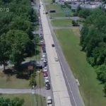 USA: Hier dans le New Jersey, une file de près de 2,5kms de Véhicules pour la distribution de produits fournis par la banque alimentaire !