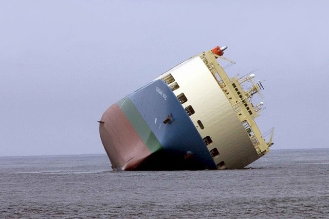 Les premiers paquebots de croisière partent à la casse, crise oblige...