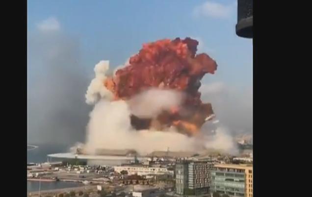 WARNING: ÉNORMES Explosions à Beyrouth: Des images et vidéos impressionnantes