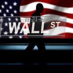 Pourquoi est-ce que les Médias Mainstream expliquent qu'une Baisse Spectaculaire des marchés boursiers se profile ?