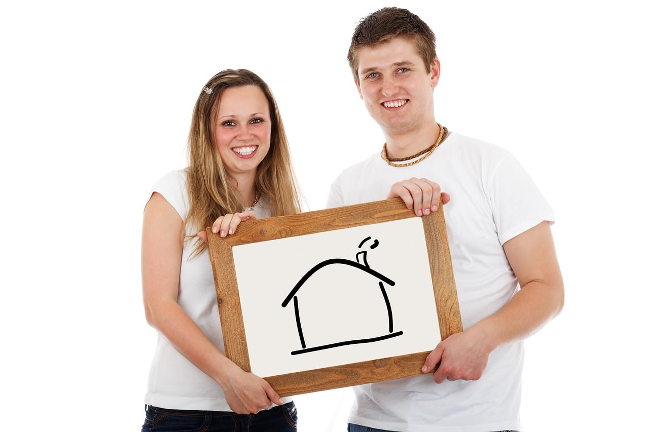 Young-People-Moving-Home-Pixabay