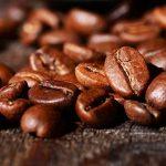 Le prix du café arabica s'effondre comme jamais depuis une décennie et les fonds spéculatifs sont pris au piège par le changement climatique