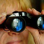 Flop total pour le ministre britannique de la police: Il encourageait les gens à espionner leurs voisins par rapport aux règles sanitaires du Covid !