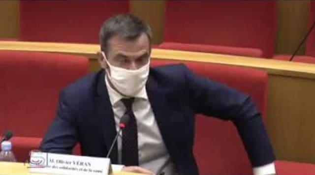 Olivier Véran ré-affirme que le masque ne sert à rien contre la grippe, après l