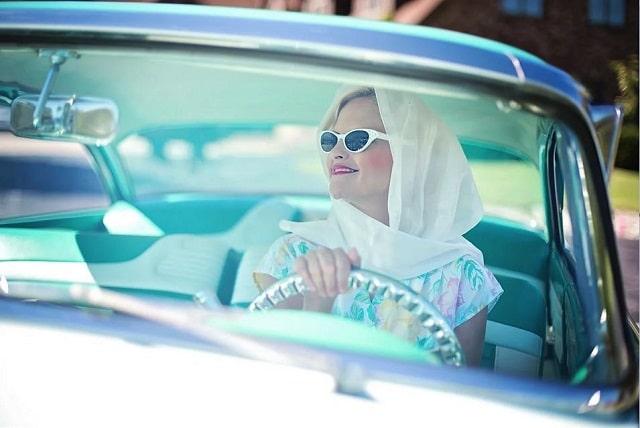 woman-car-1950