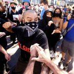 Pour Antifa, la liberté d'expression se résume à un POING DANS TA GUEULE !