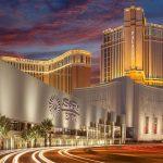 Est-ce le début de la fin des casinos à Las Vegas ? Le milliardaire Sheldon Adelson s'apprête à vendre ses casinos pour 6 milliards de dollars…