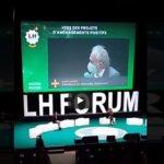 """""""En prison !"""": Jacques Attali interpellé par les Gilets jaunes constituants au Havre"""