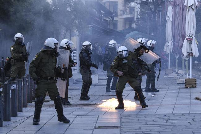 greece-clashes-with-police