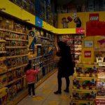 Confinement: les petits commerces de jouets risquent gros