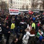 """Autriche: """"Les gens n'en peuvent plus ! 10 000 manifestants à Vienne protestent contre les restrictions liées au Covid-19 !"""""""
